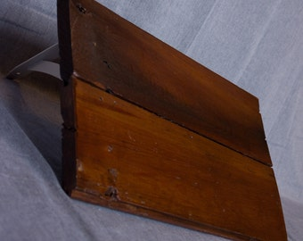 18 inch Reclaimed Wood Shelf with White Brackets (other colors available) 18 in wide by 10.5 in deep by 8.5 in high