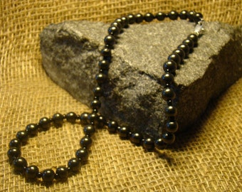 Shungite necklace of beads 8 mm. from Karelia.