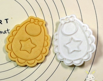 Bib with Star Cookie Cutter and Stamp Set