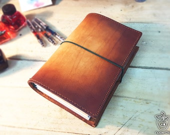 "Apple Pig Leather""Cave Art"" Traveler's Notebook"