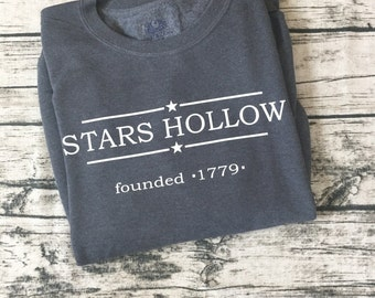 Stars Hollow Town Sweatshirt from the popular TV show Gilmore Girls! Home to Lorelai and Rory. Cute and cozy sweatshirt!