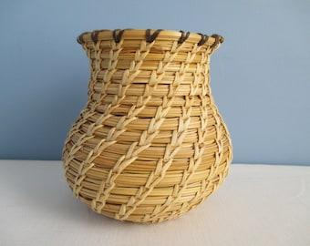 Native American Tohono O'odham Basket,   circa 1970s  ~ FREE SHIPPING!