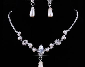SALE 20% 0FF- Bridal Rhinestone Crystal Flower and Pearl Necklace and Earring set // Bridal Wedding jewelry set