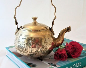 Vintage brass teapot coffee pot kettle with handle 1950's tea pot. Ornamental brass ware .Gifts for her.