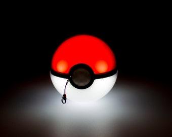 Pokemon Flashing Pokeball Charger, USB Portable Phone Powerbank Battery, Pokemon Go, Pokemon XYZ, Pokemon Sun and Moon, iPhone Android Nint