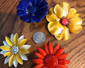 Lot of 22 vintage 60's brightly colored mod flower pins/brooches