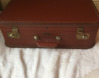 Brown Lady Baltimore Suitcase