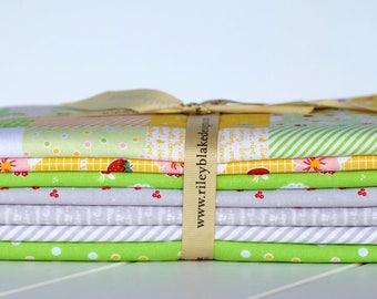 Sweet Orchard One Yard Bundle (total Seven Yards in Bundle) by Sedef Imer, for Riley Blake Designs (GREEN)