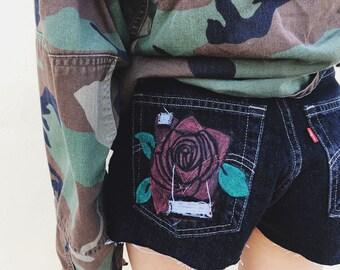 black rose bud highwaisted levi shorts