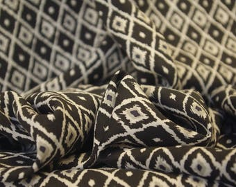 Black and White Rough Diamond Viscose
