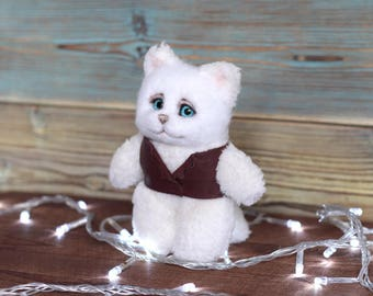 Plush toy cat in vast, Needle felt cat, Felted toy, toy gift, Plush-wool toy kitten