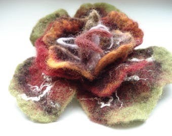 Art wear blossom flower brooch 100% Merino wool /silk hand felted NEW