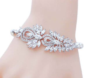 Cubic zirconia bracelet, Swarovski pearl bracelet, wedding bracelet, bridal jewelry, bridal pearl bracelet, bridesmaid bracelet, pearl CZ