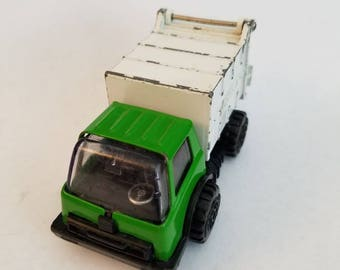 """Vintage Tonka Toy Garbage Truck Diecast Green & White   Made In Japan 4"""" Size"""