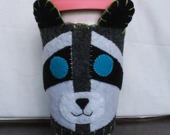 Cup Cozy - Raccoon, Green Thread