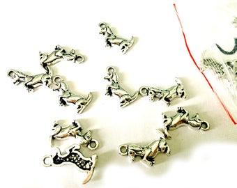 5 pcs Bassotto - Dachshund DOG-  Tibetan Silver Charm - Pendants
