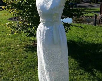 Vintage 1950's Lace Wedding Dress