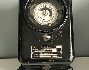 SIEMENS  Time Switch Schaltuhr 1942 type: U2hz 40s