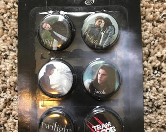 Twilight Button/Pin Set Memorabilia Team Jacob Edward Cullen Bella Vampire for crafting