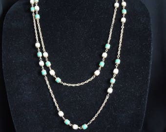 Celebrity necklace and earrings set green and white