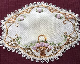 "Vintage Belgium Doily with French Knots and lace edging 16"" x 12"""