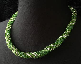 Glass - green beads necklace