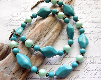 Acrylic Necklace - Turquoise and Mint Acrylic Vintage Style Necklace - Beaded Jewelry