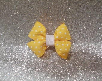 "Yellow Polka dot Pinwheel Bow. Newborn Bow, Pigtail/pony tail bow. Yellow bow on alligator clip. 2.5"" Pinwheel bow. prop, shower, birthday."