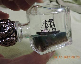 Ship in a bottle Fishing Boat