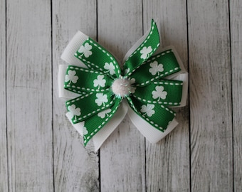 SALE Medium Shamrock Sparkle Bow