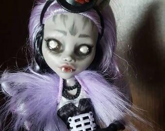 Monster high repaint Clawdeen custom doll freak you chic