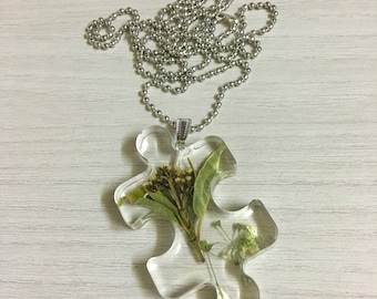 dried resin necklace real flowers puzzle