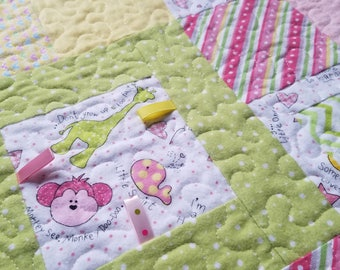 Baby Girl Tag Quilt (Animals)