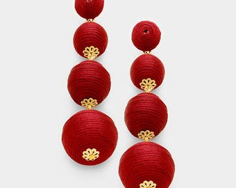 Thread balls earrings