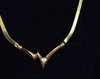Crystal Stone in Gold Zig Zag Design