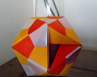 Icosahedron in paper lamp