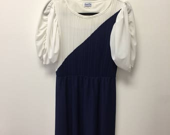 Vintage Women's Sandi Dee Dress Navy and White Size 9/10