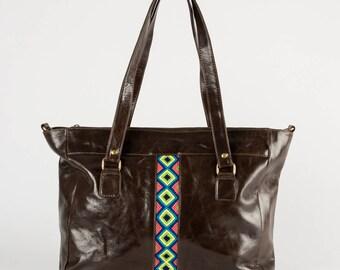 Leather shoulder bag Wayuu detail / / bag in leather with detail Wayuu