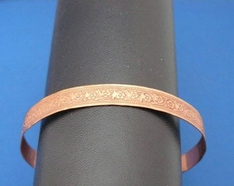 Copper patterned wire bangle