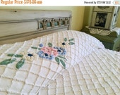 BIG SALE - Vintage Chenille Bedspread - Cabin Crafts Needletuft - White w/Pink - Cottage Style - Chic - Needletuft Bedspread - Full Queen Co