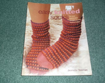 Easy Knitted Socks Pattern Book