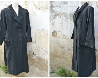 Vintage 1940/1950 French wool black coat with Persian lamb finishings  size L/XL