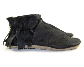 Kid's Size 10.5 Black Leather Moccasins Shoes