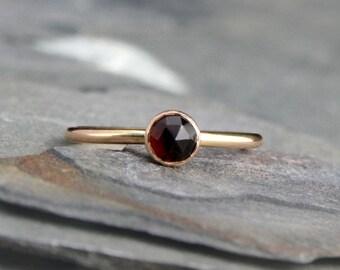 14k Gold Filled Gemstone Stacking Ring Stackable 5mm Rose Cut Faceted Garnet Cabochon 14 Karat Gold Fill Birthstone Engagement Ring Band Gem