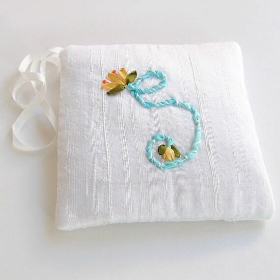 Letter S Lavender Sachet, Silk Ribbon Embroidered Initial, Hanging Scented  Sachet, Linen Closet Freshener