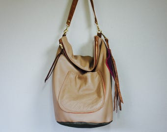 SAMPLE///Slouchy Hobo Bucket Bag in Beige and Sage Green Leather with Horween Clip on Strap