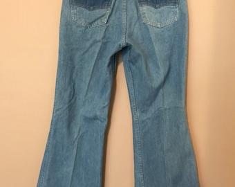 Vintage 1970s Bell Bottom Levi's Denim Blue Jeans W28 L29 509 34 773 1211
