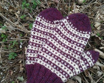 Hand knit wool mittens blackberry and cream.