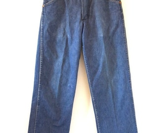 FLASH SALE / 20% off Vintage 60s 70s Wrangler Mid Rise Denim Jeans (size 28)