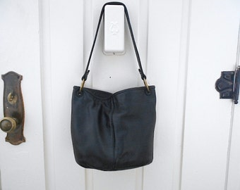 Vtg Stone Mountain black leather bucket hobo shoulder bag